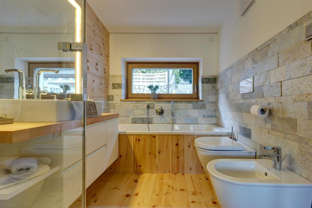 larix holzdielen parkett in l rche und zirbe s dtirol. Black Bedroom Furniture Sets. Home Design Ideas